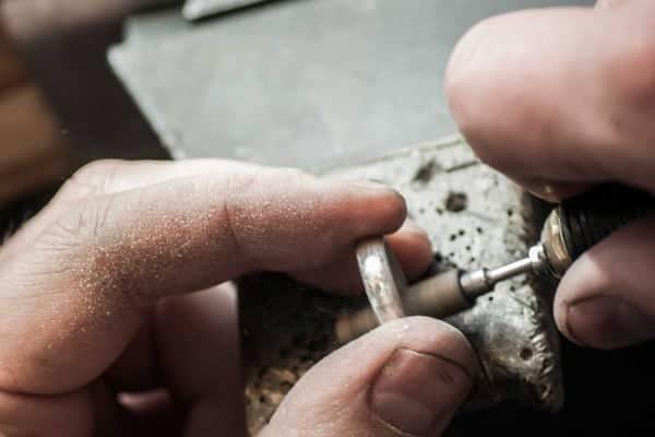 Reparasjoner hos Bugge & Authen Juvelerverksted